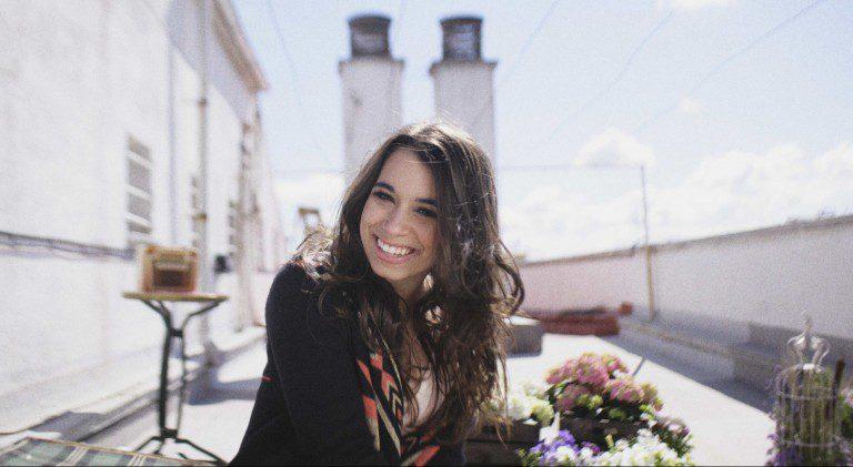 "Paula Rojo estrena el videoclip de ""Miedo a Querer"""
