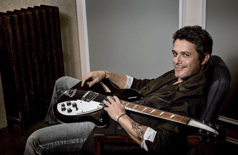 """Alejandro Sanz publica dos vídeos del single """"A que no me dejas"""""""