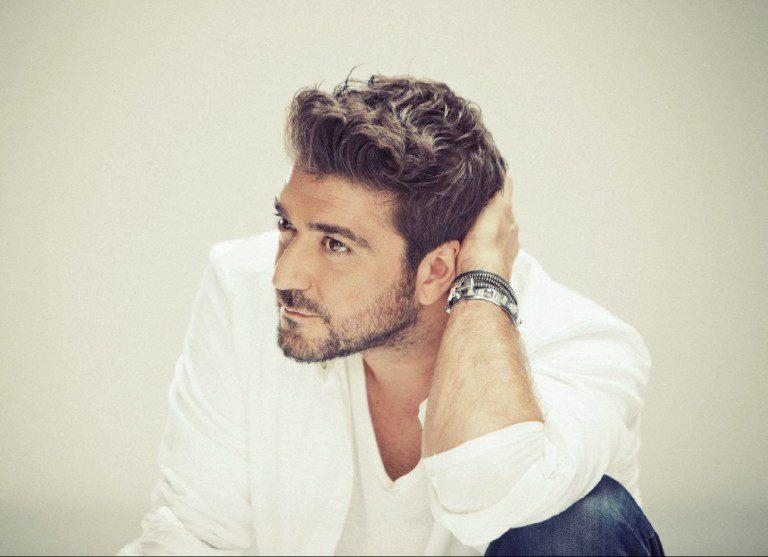 """Antonio Orozco estrena el videoclip de """"Mírate"""""""