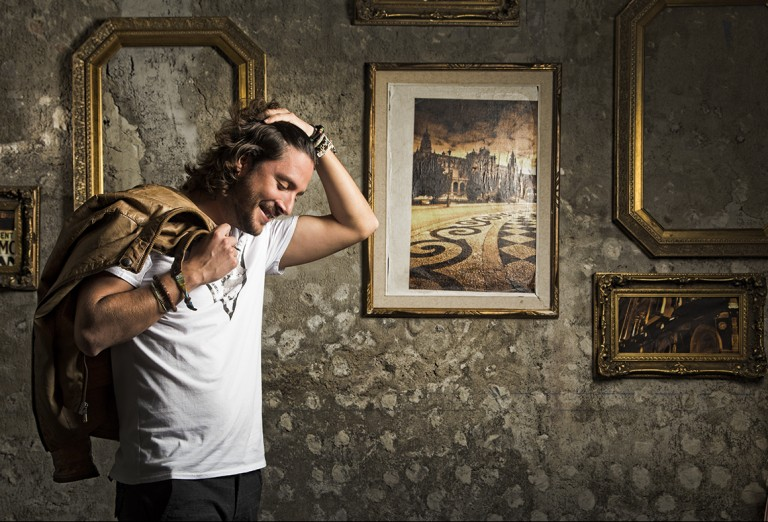 """Manuel Carrasco estrena el videoclip de su canción """"Uno x Uno"""""""