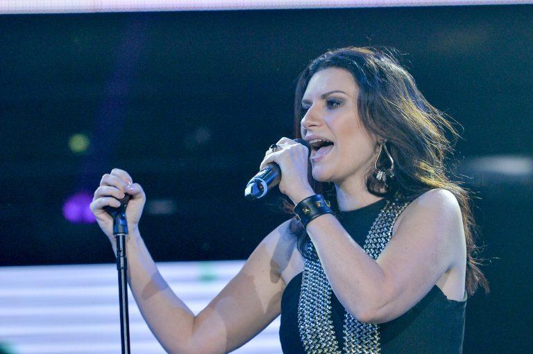 """""""Enamorada"""" es el nuevo sencillo de Laura Pausini"""