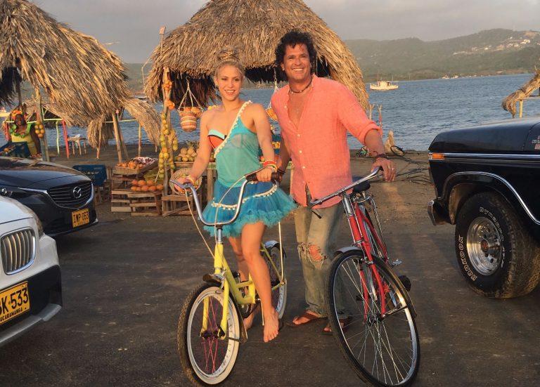 """Shakira y Carlos Vives llegan al número 1 con """"La Bicicleta"""""""