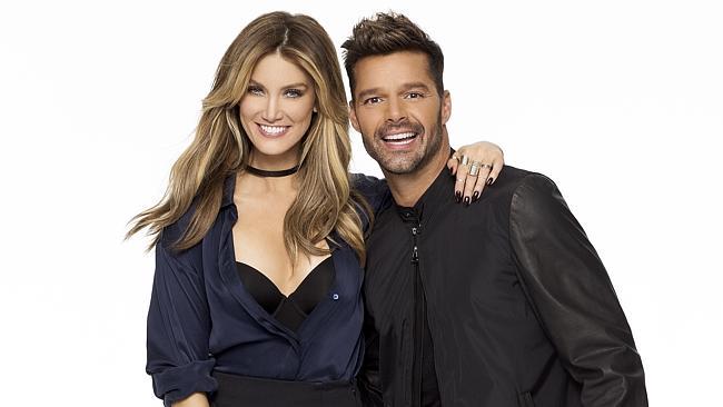 Ricky Martin cambia al colombiano Maluma por Delta Goodrem