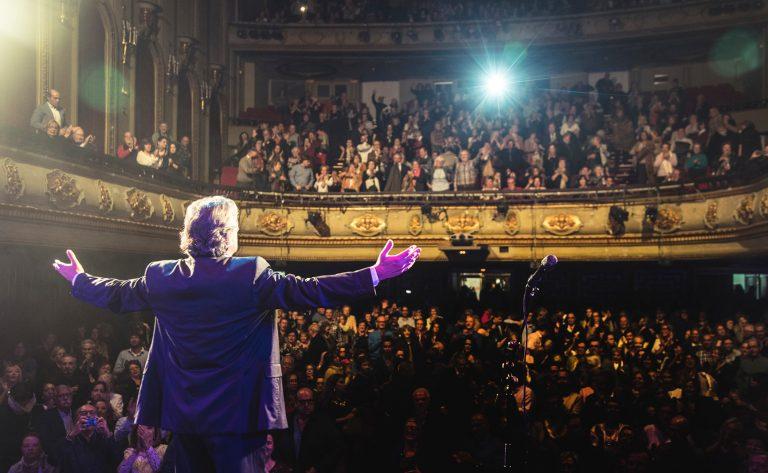 Francisco celebra 35 años de éxitos con un disco en directo