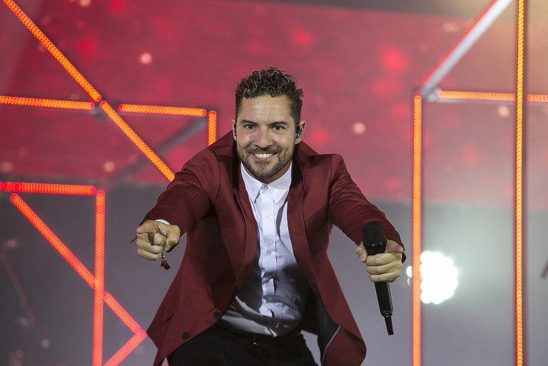 David Bisbal pone a bailar a todo el Palau Sant Jordi
