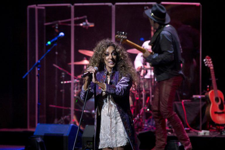 """Rosario presenta su disco """"Noche de Gloria en el Teatro Real"""""""