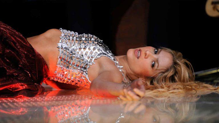 Shakira pospone hasta 2018 los conciertos de su gira europea