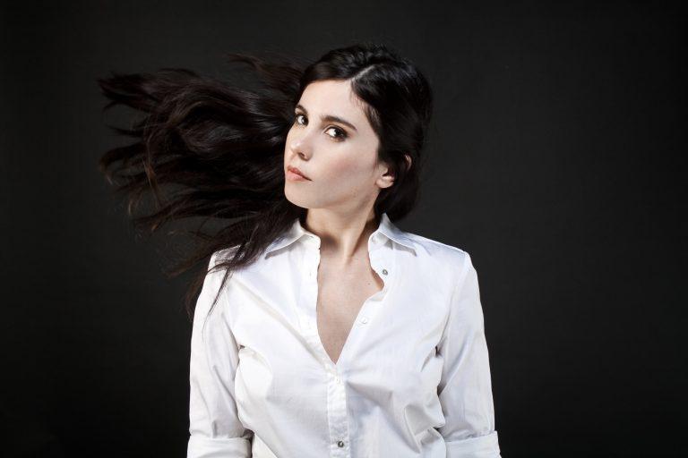 """Javiera Mena estrena el videoclip de su canción """"Dentro de ti"""""""