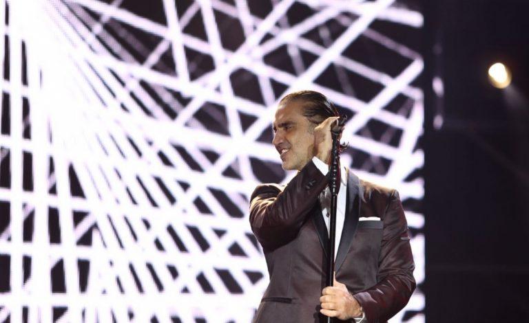 """El Tour """"Rompiendo Fronteras"""" de Alejandro Fernández llega a España"""