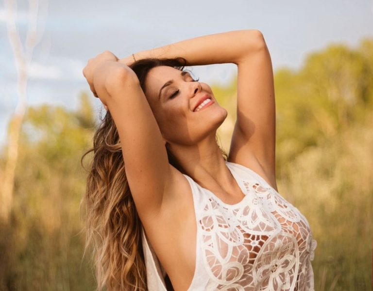 "Lorena Gómez estrena el videoclip de ""Vulnerable a ti"""