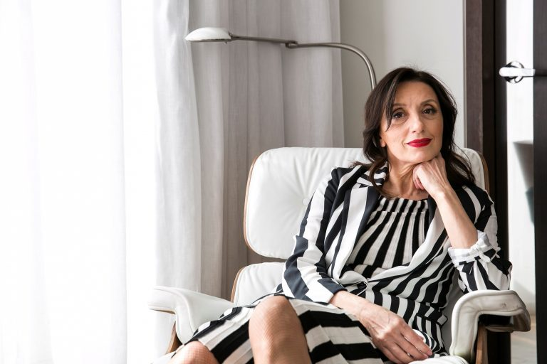 Luz Casal recibe la Medalla Internacional de las Artes de Madrid