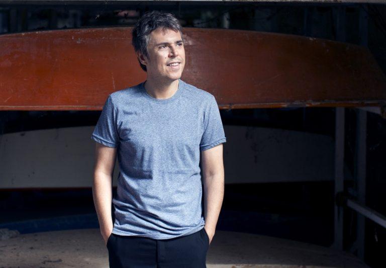 Iván Ferreiro prepara un disco de versiones de Golpes Bajos